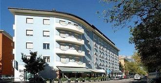 Hotel Everest - Trento - Edificio