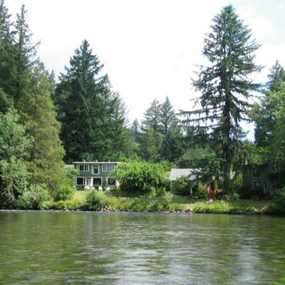 McKenzie River Inn B&B and Cabins - Vida - Outdoors view