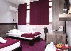 Side One Design Hotel - Belgrado - Habitación