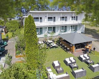 Hotel Waldidyll - Ostseebad Baabe - Building