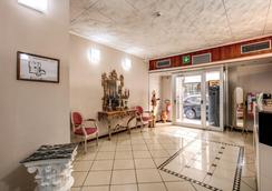 Hotel Basilea - Florencia - Recepción