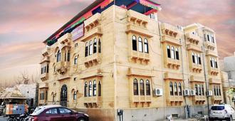 Hotel Marina Mahal - ג'יסלמר - בניין