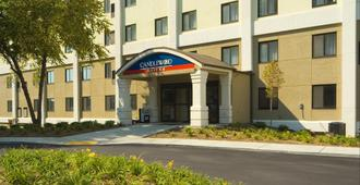 Candlewood Suites Indianapolis Downtown Medical District - Indianapolis - Building