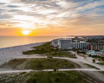 Residence Inn by Marriott St. Petersburg Treasure Island - Treasure Island - Näkymät ulkona