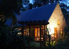 Witches Falls Cottages - North Tamborine - Vista del exterior