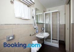 Hotel Vienna - Jesolo - Phòng tắm