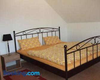 Apartment Og 2 - Peine - Bedroom
