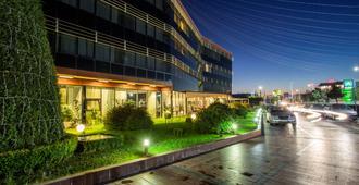 Best Western Premier Ark Hotel - טיראנה