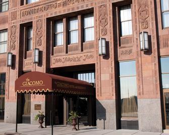 The Giacomo Ascend Hotel Collection - Niagara Falls