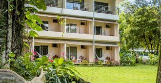 Karahe Beach Hotel - Manuel Antonio - Rakennus