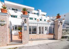 Hotel Villa Fumerie - Ischia - Building
