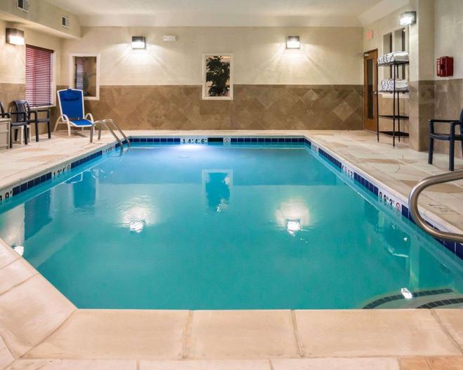 Comfort Inn Crystal Lake - Algonquin - Crystal Lake - Pool