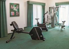 拉昆塔印第安納波利斯機場酒店 - 印第安那波里 - 印第安納波利斯 - 健身房