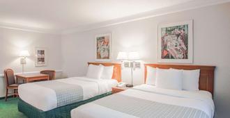 La Quinta Inn by Wyndham Indianapolis Airport Lynhurst - Indianapolis - Bedroom