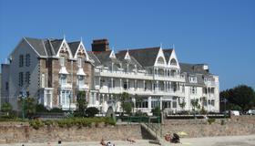 Ommaroo Hotel - Saint Helier - Building