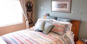 Sleeping Bulldog Bed and Breakfast - Seattle - Bedroom