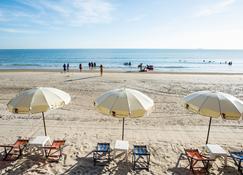 Baansuan Aokhai Beach Resort - Клаенг - Пляж