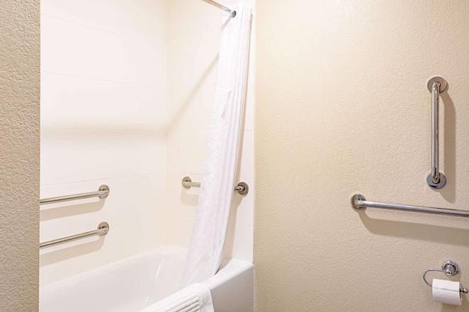 尼亞加拉瀑布康福特茵飯店 - 尼亞加拉瀑布 - 浴室