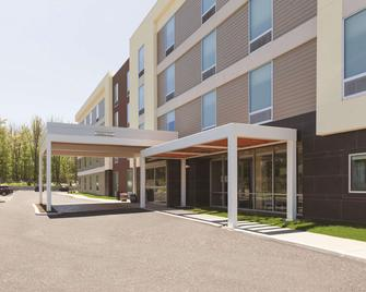 Home2 Suites by Hilton Erie, PA - Erie - Building