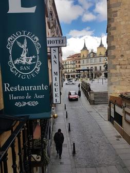 Hotel San Miguel - Segovia - Outdoors view