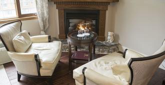 The Georgetown Inn - Canmore - Sala de estar