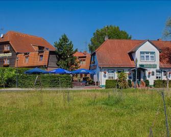 Hotel Und Restaurant Landhaus Hönow Ohg - Hoppegarten - Gebäude