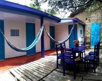Hostel Casa Del Arbol - Zipaquirá - Patio