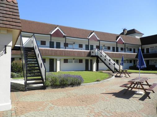 The Town & Country Lodge - Bristol - Building