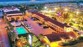 La Fiesta Ocean Inn And Suites - St. Augustine - Building