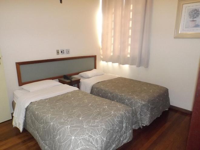馬沙辦公室飯店 - 包魯 - 臥室