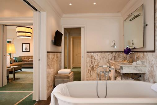 Starhotels Savoia Excelsior Palace - Trieste - Bathroom