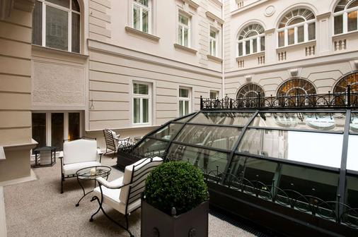 Savoia Excelsior Palace Trieste - Starhotels Collezione - Trieste - Balcony