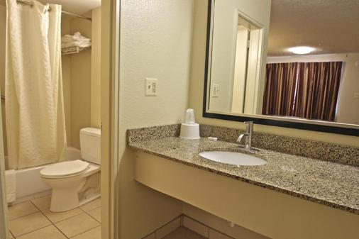 Motel 6 Washington DC - Convention Center - Washington - Phòng tắm