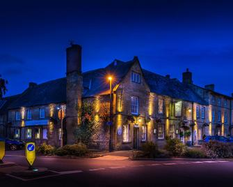White Hart Royal Hotel - Moreton-in-Marsh - Building