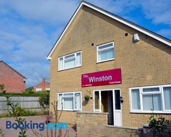 Winston Guesthouse - Bicester - Building