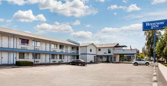 Rodeway Inn - Coeur d'Alene - Toà nhà