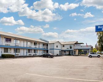Rodeway Inn - Coeur d'Alene - Building
