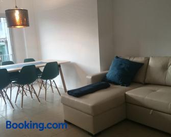 Pis Firalet - Olot - Olot - Living room