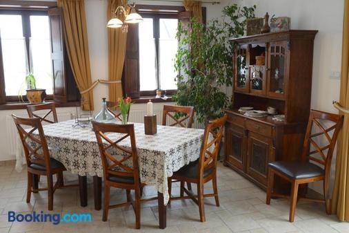 Levendula Porta és Pajtaszínház - Orfu - Dining room