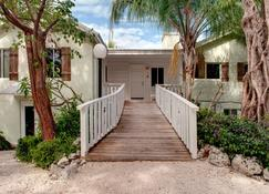 Coconut Palm Inn - Tavernier - Vista esterna