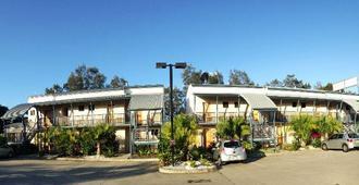 Novena Palms Motel - Northgate