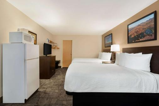 Travelodge by Wyndham Lake Havasu - Lake Havasu City - Phòng ngủ