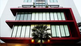 Diamond Residence Ratchada - Bangkok - Building