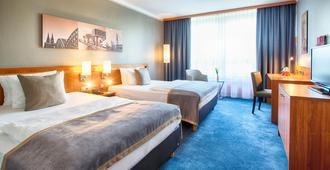 Leonardo Hotel Köln Bonn Airport - קלן - חדר שינה