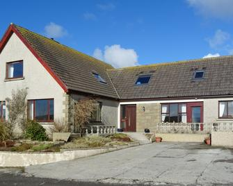 Lindisfarne Bed & Breakfast - Stromness - Building