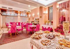 聖朱斯托貝斯特韋斯特酒店 - 第里雅斯特 - 的里雅斯特 - 自助餐