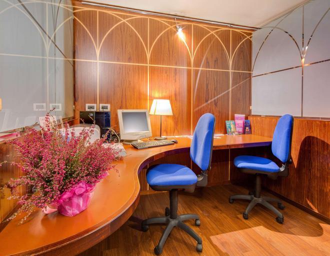 聖朱斯托貝斯特韋斯特酒店 - 第里雅斯特 - 的里雅斯特 - 商務中心