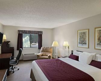 Baymont by Wyndham Whitewater - Whitewater - Bedroom