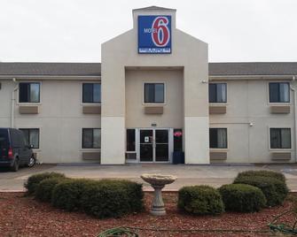 Motel 6 Elk City, OK - Elk City - Building