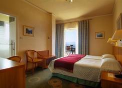 Hotel Kalafati - Delphi - Kamar Tidur